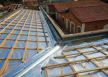 Isolamento térmico e acústico para telhados
